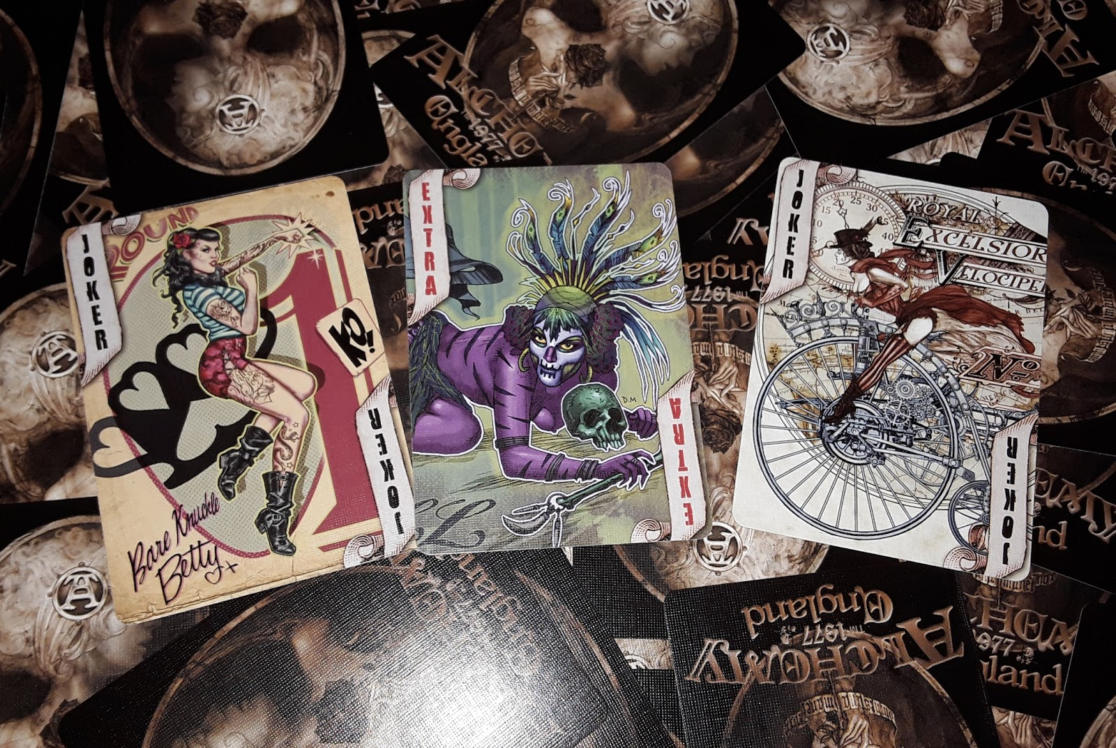 2 УРОК: Структура игральной колоды, сравнение игральных карт с картами Таро и Оракулом Ленорман